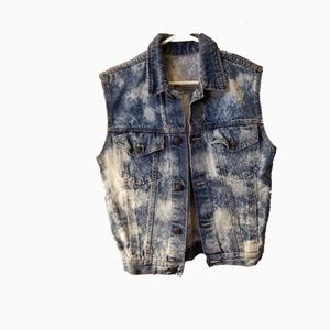 Vintage l denim distressed vest